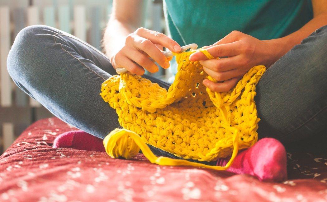 Cómo hacer punto o tricot