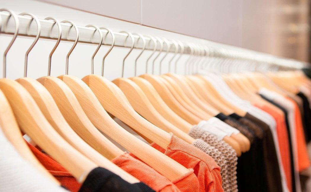 Cómo evitar que nuestra ropa vieja termine contaminando el mar