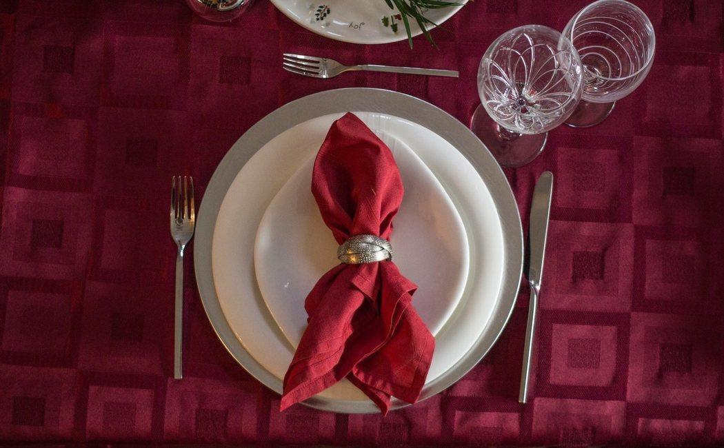 Cómo doblar las servilletas de forma decorativa