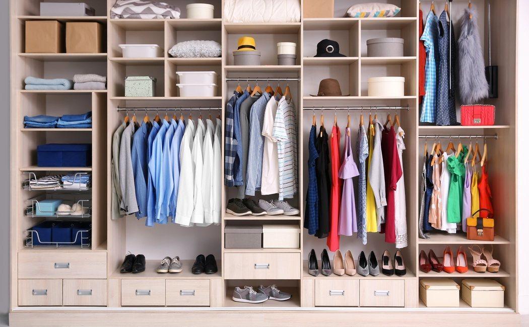 Cómo doblar la ropa para ahorrar espacio