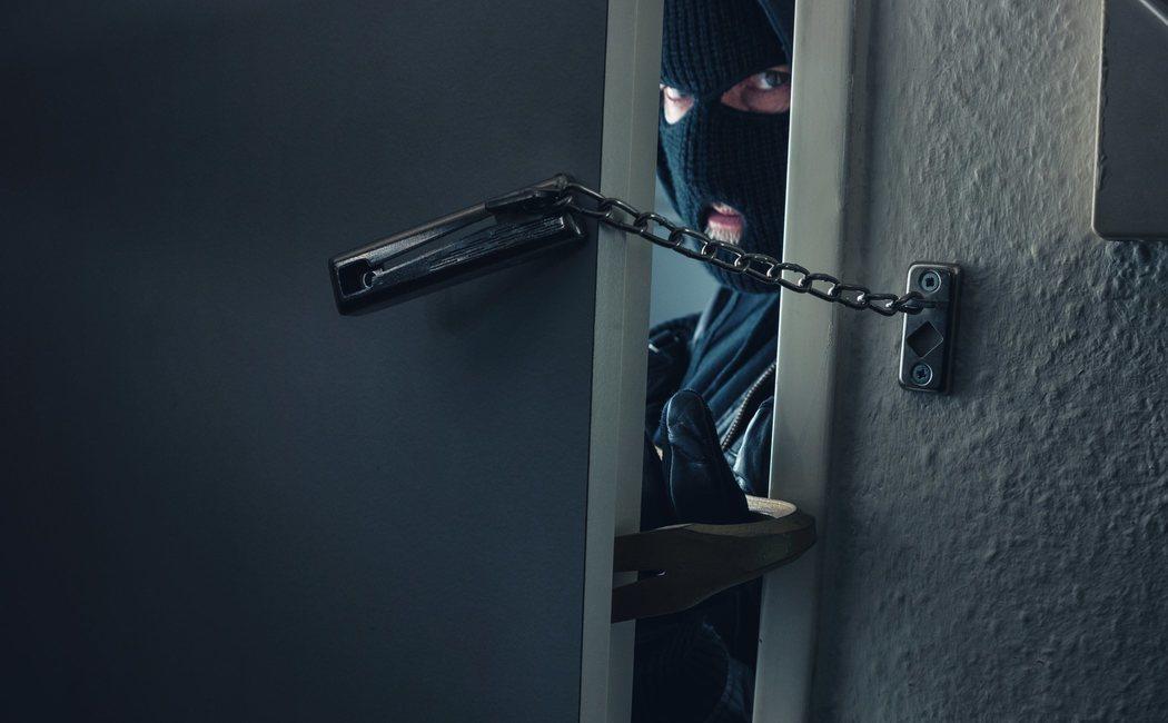 Cómo protejo mi casa de okupas y ladrones